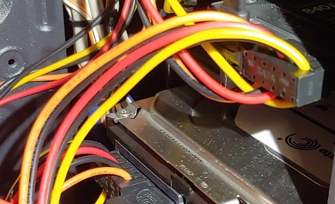 sata power cab1.jpg
