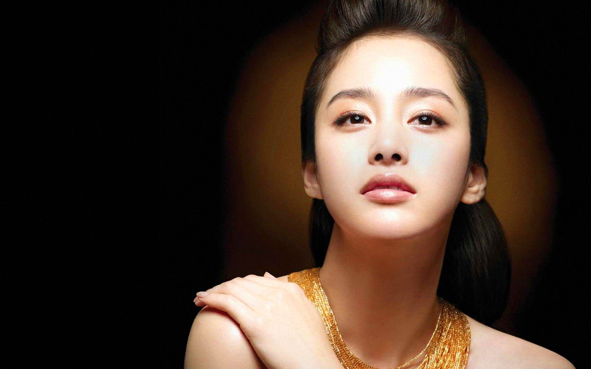 kim-tae-hee-beauty-south-korean-actress-picture-wallpaper-dbtlq.jpg